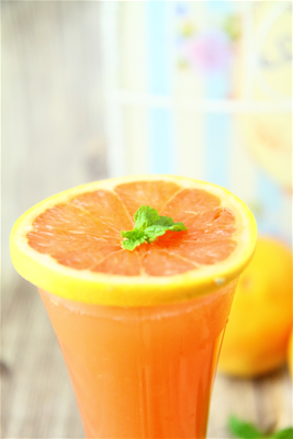 葡萄柚汁<br>[ Grapefruit Juice ]